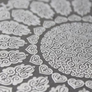 metal stickers logo prespaziato sottile microdecorazione elegante SAC Serigrafia